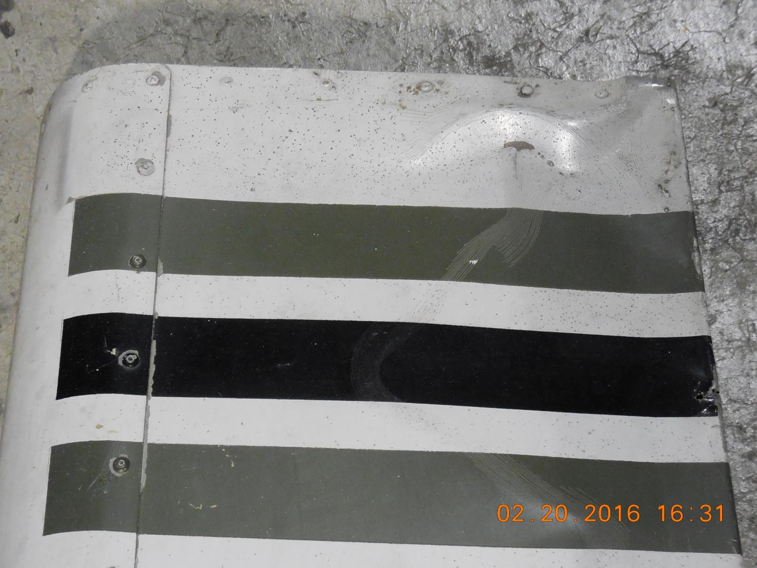 PIPER AZTEC PN85114-1 RIGHT AILERON, SLIGHT DAMAGE @TIP ON TOP